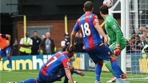 Crystal Palace 1-2 Arsenal: Một 'siêu phẩm' và một pha... phản lưới giúp Arsenal giành 3 điểm