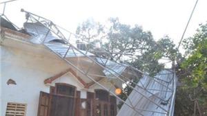Lâm Đồng: Trên 60 nhà dân bị sập và tốc mái do gió lốc