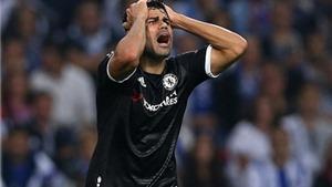 QUAN ĐIỂM Graham Poll: Trọng tài thứ 5 quyết định Ospina phản lưới là đúng nhưng bỏ qua penalty cho Chelsea là sai
