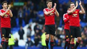 Jamie Redknapp: 'Cứ đá với hậu vệ thực thụ, Man United sẽ cạnh tranh chức vô địch'