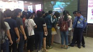 Bất ngờ khán giả xếp hàng dài xem phim Việt
