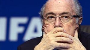 Blatter và Platini nói gì sau khi bị cấm hoạt động bóng đá trong 8 năm?