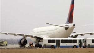 Máy bay hạ cánh khẩn cấp ở Mỹ, 6 hành khách bị sốc