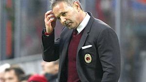 Milan khủng hoảng: Mihajlovic còn 1 trận 'chung kết'