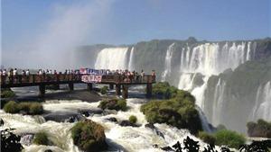 Chiêm ngưỡng thác nước hùng vĩ, đẹp nhất thế giới