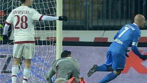 Empoli 2-2 Milan: Milan lại gây thất vọng, Mihajlovic còn 2 trận 'chung kết'