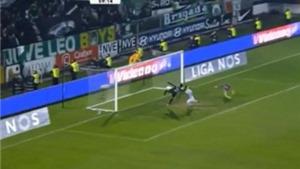 Pha bỏ lỡ KHÔNG THỂ TIN NỔI của cầu thủ Sporting Lisbon