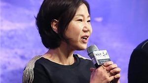 Biên kịch 'Hậu duệ mặt trời': Lòng yêu nước của 'đại úy' Song Joong Ki chỉ như... trong sách tiểu học