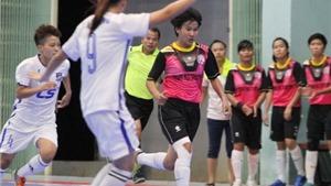 Khai mạc giải futsal nữ vô địch TP.HCM 2016: Chủ nhà thắng nhọc
