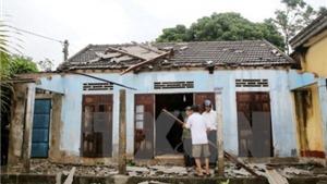 3 người bị thương, 329 ngôi nhà bị sập, tốc mái do mưa lốc