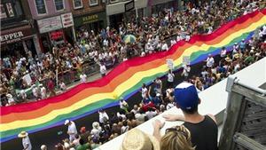 'Bóng ma' đe dọa người đồng tính tại lễ hội lục sắc ở Canada
