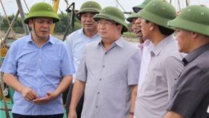 Phó Thủ tướng Trịnh Đình Dũng kiểm tra công tác ứng phó với cơn bão số 1