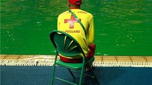 Bể bơi tự đổi màu ở Olympic đã bị đóng cửa
