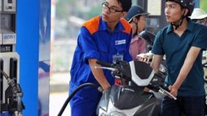 Giá xăng tăng gần 700 đồng/lít