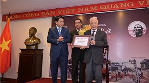 Nghệ sĩ Nhiếp ảnh Lê Vượng được vinh danh Giải thưởng Lớn 'Vì tình yêu Hà Nội'