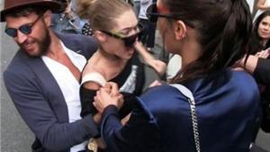 Gigi Hadid bị kẻ từng gây hấn Brad Pitt, Kim Kardashian 'quấy rối' giữa phố