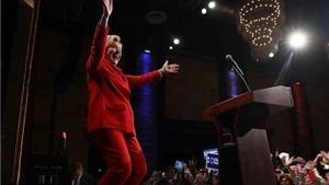 Ông Trump thất thủ thế nào trong cuộc 'so găng' với bà Clinton?