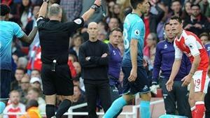Arsene Wenger nói gì về thẻ đỏ của Granit Xhaka trước Swansea?