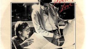 'Perhaps Love' - Hai gã trung niên hát 'bản tình ca lạ lùng'