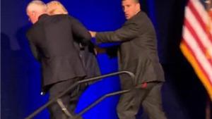Mật vụ hộ tống Donald Trump khỏi sân khấu sau tiếng thét 'Hắn ta có súng đấy'