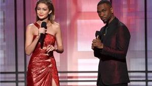 Khán giả khoái chí khi cặp MC 'nhại giọng' vợ chồng ông Trump