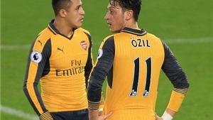 NGHỊCH LÝ: Mesut Oezil kiến tạo cho...  Ashley Williams ghi bàn vào lưới Arsenal!