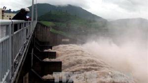 13 hồ chứa thủy điện của EVN đang điều tiết xả lũ