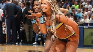 Mãn nhãn trước thân hình bốc lửa của Cheerleaders Memphis Grizzlies