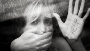 Cảnh sát cấp 6000 'còi báo động' cho phụ nữ để chống tấn công tình dục