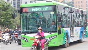 Hà Nội sẽ tính kỹ việc lắp dải phân cách cứng dành riêng cho BRT
