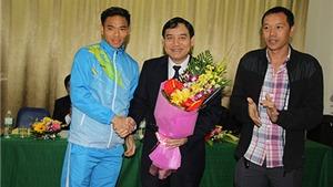 Bí thư Tỉnh ủy Nghệ An làm việc với CLB SLNA về vấn đề tài trợ