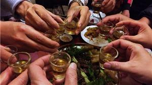 Đi ăn cỗ đám tang, 69 người bị ngộ độc rượu