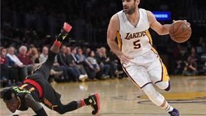 Cẩu thủ bóng rổ nhận nửa triệu USD nhờ... bị sa thải chỉ sau 2 giờ ký hợp đồng