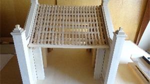 Giáo sư Nhật phục dựng mô hình cổng làng cổ Đường Lâm bằng gỗ quý