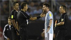 'Messi đúng là người ngoài hành tinh mà. Anh ta nói chuyện với linh hồn trong không khí'