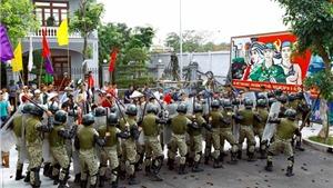 Bộ đội đặc công diễn tập chống khủng bố, giải cứu con tin
