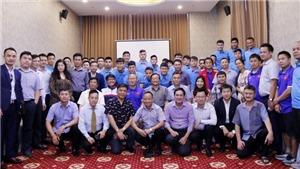Đại sứ Việt Nam tại Lào động viên tinh thần thầy trò HLV Park Hang Seo