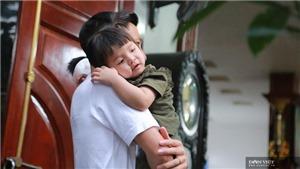 Tuyển thủ Việt Nam khoe con trong ngày Tết thiếu nhi
