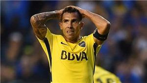 Carlos Tevez dính chấn thương hi hữu khi vào tù thăm anh trai