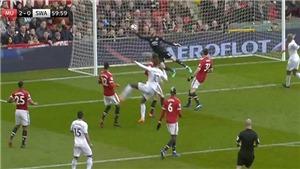 Ngả mũ trước hai pha cứu thua liên tiếp của De Gea trước Swansea