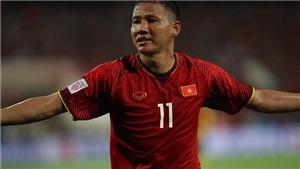 VIDEO: 'Song Đức' phối hợp đẹp như mơ giúp Việt Nam dẫn Malaysia 2-0