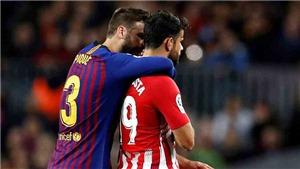 Pique đã nói gì khi Diego Costa bị đuổi khỏi sân sau hành vi thóa mạ trọng tài?
