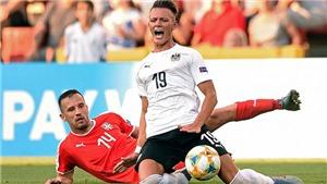 KINH HOÀNG: Sao trẻ gãy gập chân khi tham dự giải U21 châu Âu