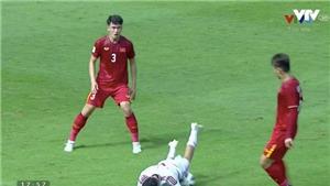 U23 Việt Nam: Tấn Sinh có xứng đáng nhận thẻ đỏ sau pha phạm lỗi với Ali Saleh?