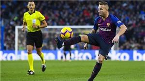 Barca khủng hoảng nhân sự: Chỉ có một trung vệ lành lặn, Arthur từ chối ra sân