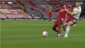 Fan bất bình khi Mane thoát thẻ đỏ dù đấm Tierney của Arsenal