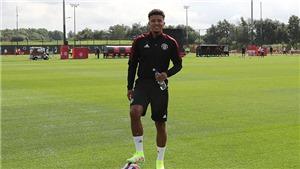 MU trước mùa giải mới: Sancho tập buổi đầu, Van de Beek quyết tâm, Pogba có tóc mới
