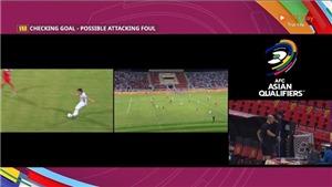 Thót tim với VAR trong bàn thắng mở tỷ số của Tiến Linh trước Oman