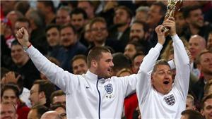 CĐV Anh bị chỉ trích vì ăn mừng như thể vô địch World Cup