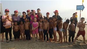Những vị khách đặc biệt bên bãi biển Mỹ Khê